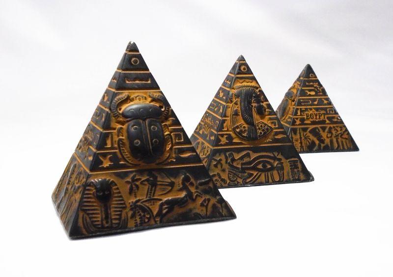Pyramids replicas
