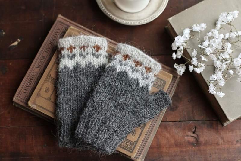 Bezpalcowe rękawiczki