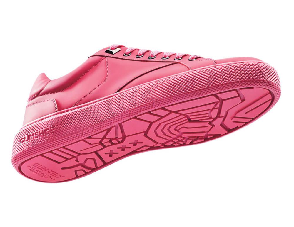 Buty z gumy do żucia