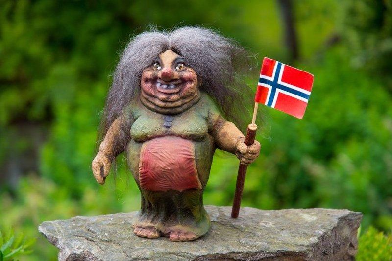 Figurka z trollem